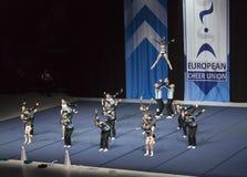 Helsínquia, Finlandia - 30 de junho de 2018: Team Dolphins Coed de Alemanha que executa nos campeonatos Cheerleading europeus 201 fotografia de stock royalty free