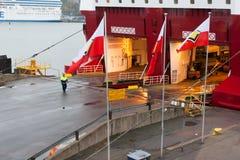 HELSÍNQUIA, FINLANDIA - 25 DE OUTUBRO: a LINHA de VIKING do ferryboat é amarrada na amarração no porto da cidade de Helsínquia, F Imagens de Stock