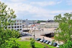 Helsínquia. Ideia da canaleta e da área Kauppatori fotografia de stock royalty free