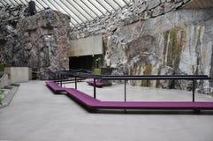Helsínquia, o 23 de agosto de 2014 - interior da igreja do granito de Helsínquia em Finlandia Fotografia de Stock