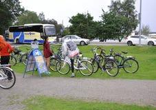 Helsingfors august 23 2014-Bicycles i parkera från Helsingfors i Finland Royaltyfri Foto