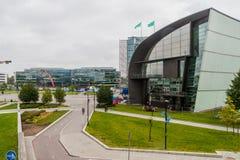 HELSINGFORS FINLAND - AUGUSTI 25, 2016: Kiasma samtida konstmuseum som lokaliseras på Mannerheimintie i Helsingfors, Finla royaltyfri fotografi