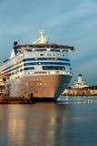 HELSINGFORS FINLAND-DECEMBER 14: Den Silja Line färjan på förtöja i staden av Helsingfors Arkivfoton