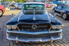 Helsingfors Finland gammal bil Buick Royaltyfri Fotografi
