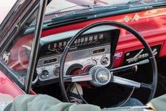 Helsingfors Finland gammal bil Chevrolet Impala Arkivbild