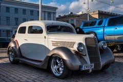 Helsingfors Finland gammal bil Ford Royaltyfri Foto