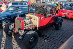 Helsingfors Finland gammal bil Ford Royaltyfri Fotografi