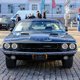 Helsingfors Finland gammal bilDodge utmanare Royaltyfria Bilder
