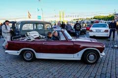 Helsingfors Finland, 02 Juni 2017, gammal bilfestival Arkivfoton