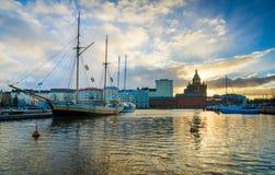 Helsingfors landskap på solnedgång Arkivbilder