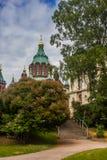 helsinki Финляндия Взгляд собора предположения от парка Tove Janson стоковое фото rf