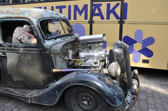 Helsinki, august 23 2014-Vintage samochód na ulicie od Helsinki w Finlandia Zdjęcie Royalty Free