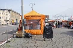 Helsinki, 23 augustus 2014-markt mening van Helsinki in Finland Stock Fotografie