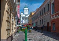 Helsinki comme est rues Vie quotidienne de la ville au jour tôt ensoleillé d'automne images stock