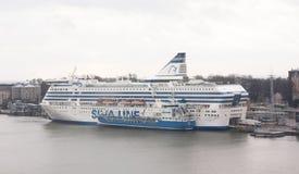 Helsinki, Finland - 21 December 2015: De veerboot Silja Line in haven van Helsinki Stock Afbeelding
