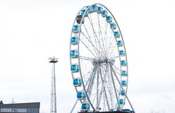 Helsinki, Finland 21 December 2015 - Ferris Wheel in haven van Helsinki Royalty-vrije Stock Afbeelding