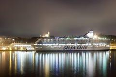 HELSINKI, FINLAND-JANUARY 5: silja linii prom żegluje od Go Obrazy Stock