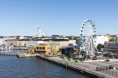 HELSINKI, FINLAND - JULI 07, 2017: Stadspanorama van Helsinki, FI Royalty-vrije Stock Afbeeldingen