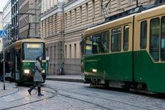 HELSINKI, FINLAND - OKTOBER 25: De beweging van de tram op straten van Helsinki, 25 Finland-OKTOBER 2016 Royalty-vrije Stock Foto's