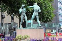 HELSINKI, FINLANDIA †'LIPIEC 06: Rzeźba boksery na Lipu 06, 2015 Obraz Royalty Free