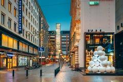 Helsinki, Finlandia El Año Nuevo enciende decoraciones de la Navidad de Navidad Fotos de archivo