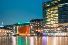 Helsinki, Finlandia Kamppi kaplica Lub kaplica cisza W wieczór zdjęcie royalty free