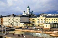 Helsinki, Finlandia - 4 novembre 2017: Panorama di Helsinki, Finlandia Vista aerea della città del centro Cattedrale famosa di He immagine stock libera da diritti