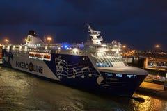 HELSINKI FINLANDIA, PAŹDZIERNIK, - 25: ferryboat Finlandia cumuje przy cumowaniem w porcie miasto Helsinki, Finlandia OCTOBE Obrazy Stock