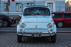 Helsinki, Finlandia Stary samochodowy FIAT 500L Fotografia Royalty Free