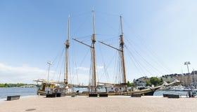 HELSINKI, FINNLAND - 10. JUNI 2017: Bauholz stellte hohes Segelboot an her Lizenzfreies Stockbild