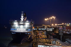 HELSINKI, FINNLAND - 25. OKTOBER: die Fähre Finlandia wird am Liegeplatz im Hafen der Stadt von Helsinki, Finnland OCTOBE festgem Lizenzfreie Stockfotos