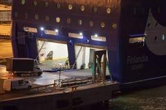 HELSINKI, FINNLAND - 25. OKTOBER: die Fähre Finlandia wird am Liegeplatz im Hafen der Stadt von Helsinki, Finnland OCTOBE festgem Stockfotografie
