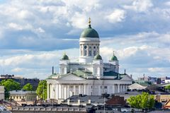Helsinki-Kathedrale im Sommer, Finnland lizenzfreie stockbilder