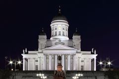 Helsinki-Kathedrale nachts lizenzfreies stockbild