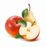Helt rött äpple, halva och päron som isoleras på vit bakgrund royaltyfria bilder