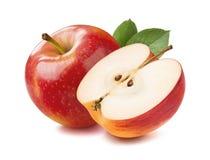 Helt rött äpple och halvt stycke som isoleras på vit bakgrund royaltyfri fotografi