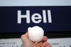 helvete kastar snöboll Royaltyfri Bild