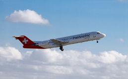 Helvetic Airways Fokker 100 Royaltyfri Foto
