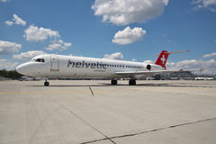 Helvetic Airways Fokker-100 Arkivbilder