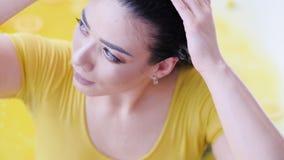 Hem- bad för frukt för omsorg för skönhet för brunnsortavkopplingterapi stock video