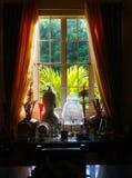 Hem- fönster Arkivfoto