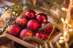 Hem- garnering för jul och nytt år för julsammansättning för bauble blått exponeringsglas tappning för stil för illustrationlilja Royaltyfri Bild