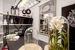 Hem- garneringar shoppar inre Royaltyfri Fotografi