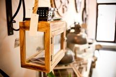 Hem- garneringar shoppar inre Arkivbild