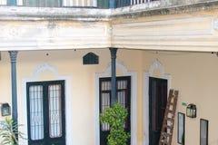 Hem- stads- historia Juliet f?r forntida uteplatsdetalj royaltyfria bilder