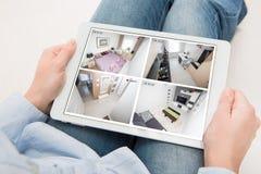 Hem- vid för hus för larm för system för bildskärm för kameracctv-övervakning smart royaltyfri foto