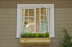 Hem- Windows Royaltyfria Bilder