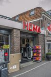 HEMA Store At Weesp The Nederländerna 2018 arkivfoton