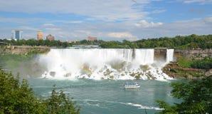Hembiträde av misten på amerikanska nedgångar, Niagara Falls Arkivfoto
