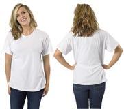 Hembra con la camisa blanca en blanco Imagen de archivo libre de regalías